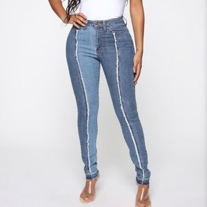 NWT - Center Of Your Universe Skinny Jeans